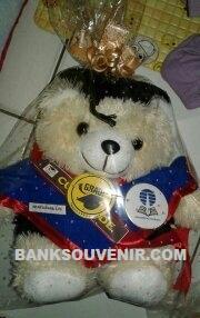 souvenir boneka wisuda bekasi