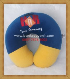 Bantal Leher Promosi H&R Tour