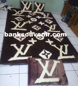 Karpet Karakter Louis Vuitton