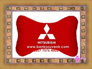 Bantal Tulang Souvenir Mitsubishi
