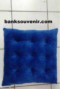 Bantal Sofa Kotak Biru