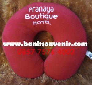 Bantal Leher Promosi Pranaya Boutique Hotel