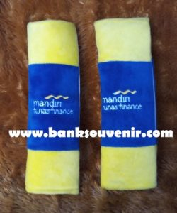 Souvenir Seat Belt Mandiri Finance