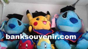 Boneka Wisuda Pokemon Stitch Jumbo