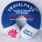 souvenir bantal Travel Pass Tour