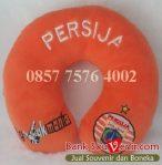 souvenir bantal leher Persija