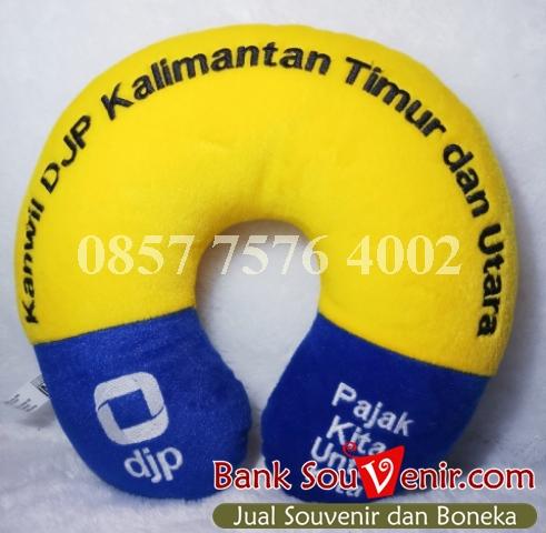 Souvenir bantal custom DJP Kanwil Kalimantan