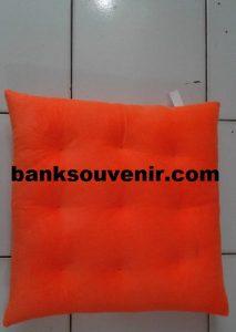 Bantal Sofa Kotak Orange