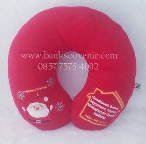 souvenir bantal custom