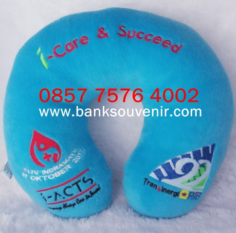 Souvenir Bantal Custom Event i-Care & Succeed