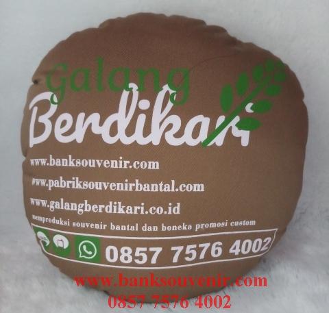 Souvenir bantal promosi custom
