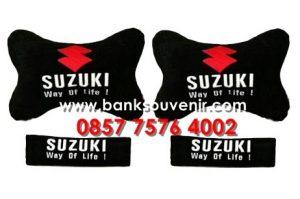 Souvenir bantal mobil Suzuki