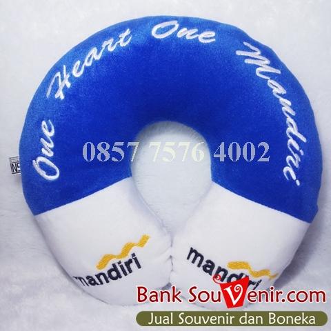 bantal leher souvenir Bank Mandiri