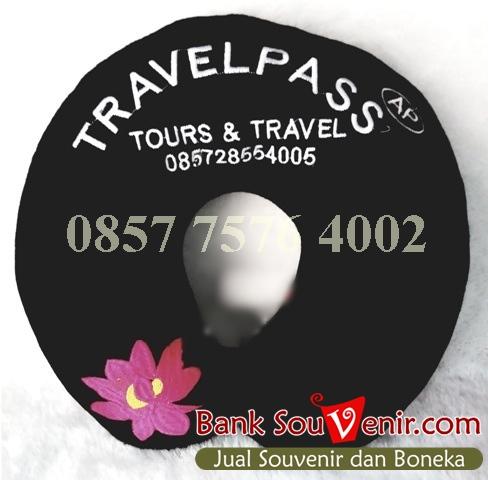 souvenir perusahaan eksklusif Travel Pass
