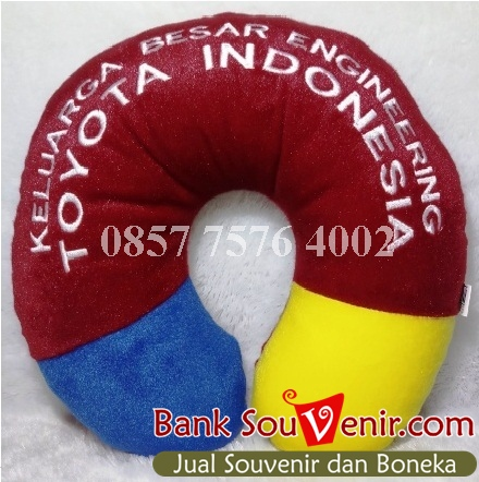 Bantal leher custom Toyota Indonesia