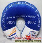 Bantal leher souvenir PT Kereta Api (Persero)