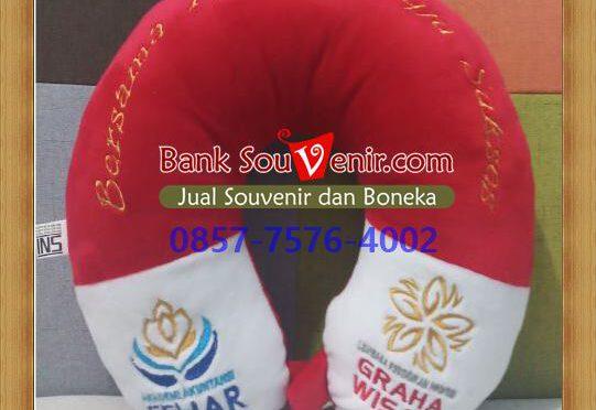 souvenir bantal ultah di Malang